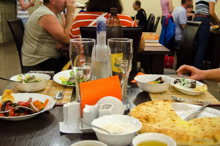 ужин в кафе Виктория
