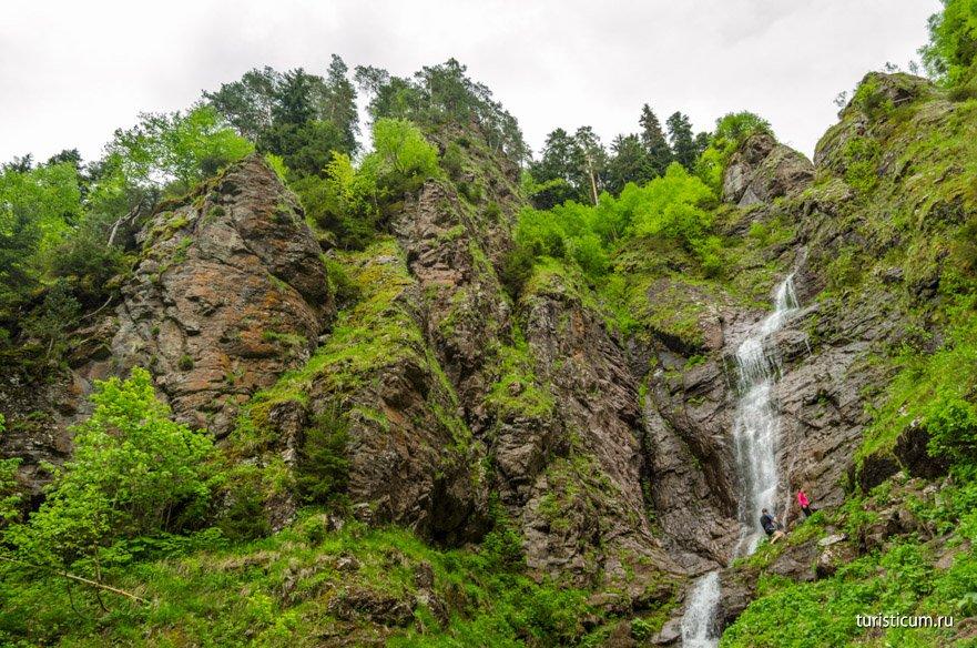 Казачий водопад в Архызе