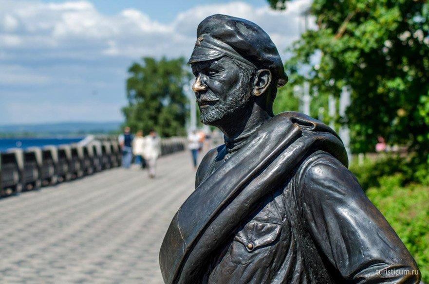 памятник Сухову в Самаре